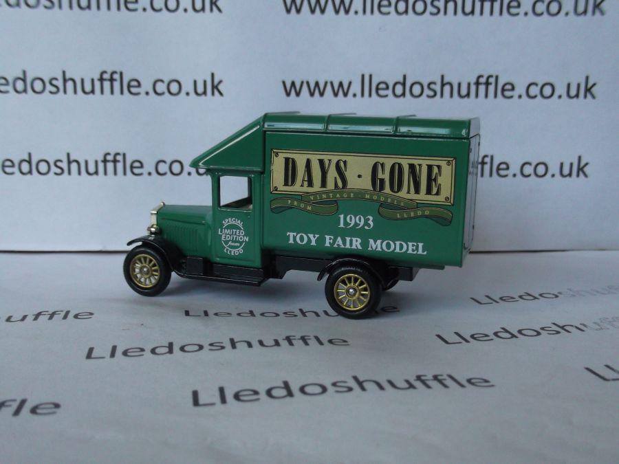 DG52006, Morris Parcels Van, Toy Fair Model, 1993