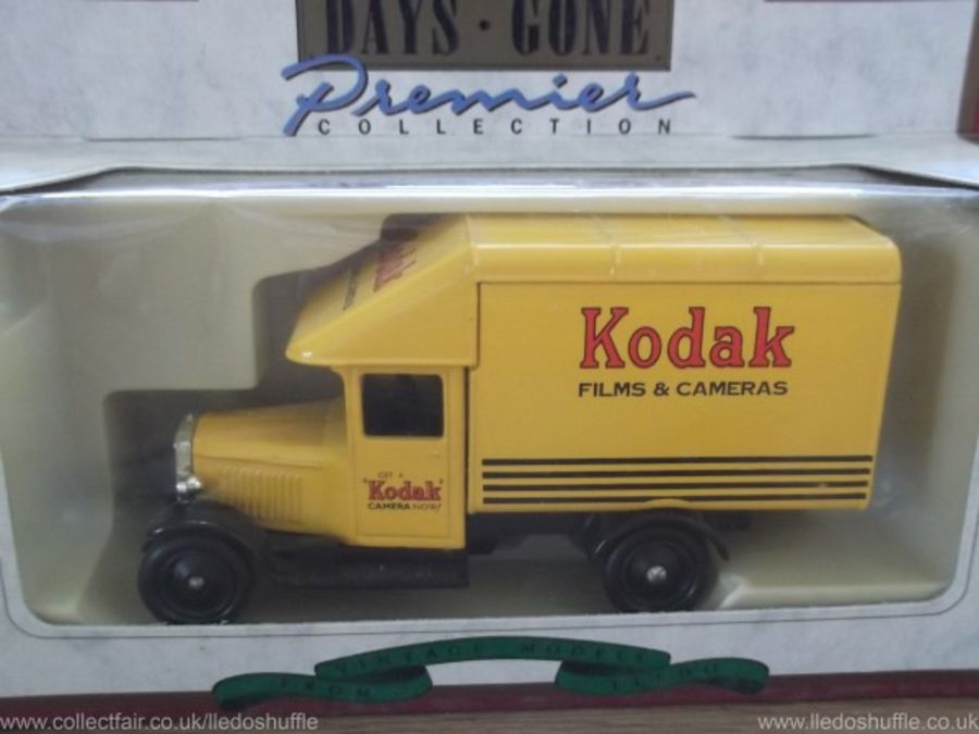 DG52009, Morris Parcels Van, Kodak
