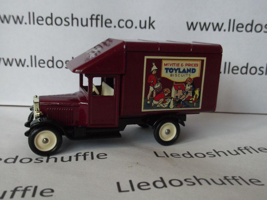 DG52018, Morris Parcels Van, McVitie & Price