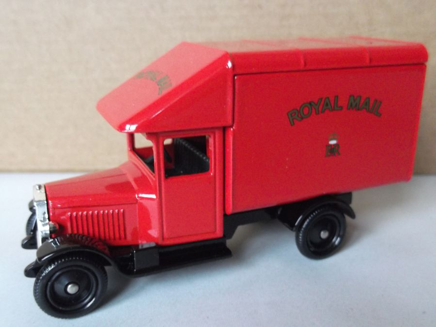 DG52024, Morris Parcels Van, Royal Mail