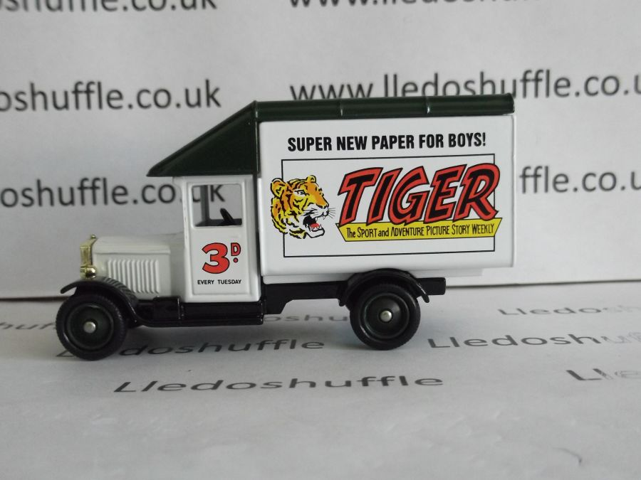 DG52025, Morris Parcels Van, Tiger Boys Magazine