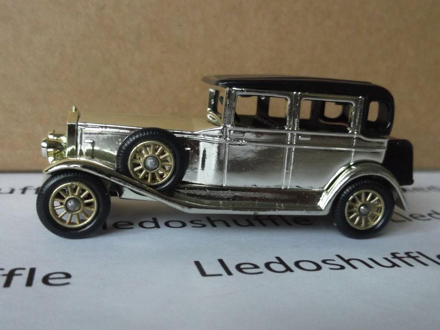 DG54001, Rolls Royce D Back Saloon, Gold, DG Collector 1993 model