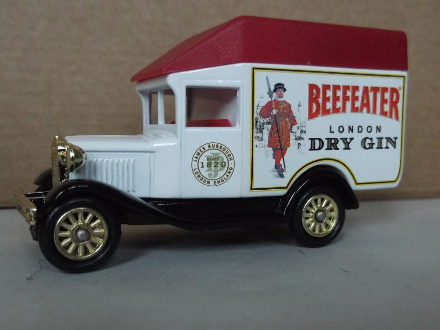 DG56002, Model A Ford High Roof Van, Beefeater Gin