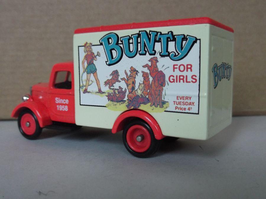 DG59033, Bedford 30cwt Truck, Bunty for Girls