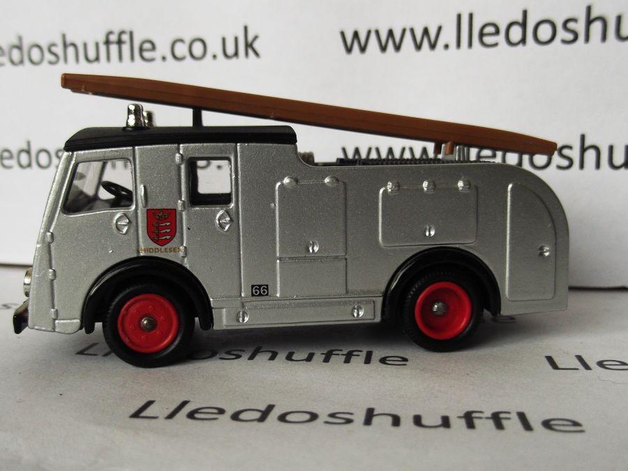 DG60009, Dennis F8 Fire Engine, Middlesex Fire Brigade