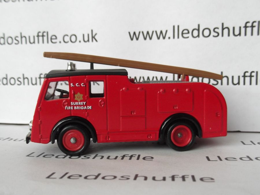 DG60014, Dennis F8 Fire Engine, Surrey Fire Brigade