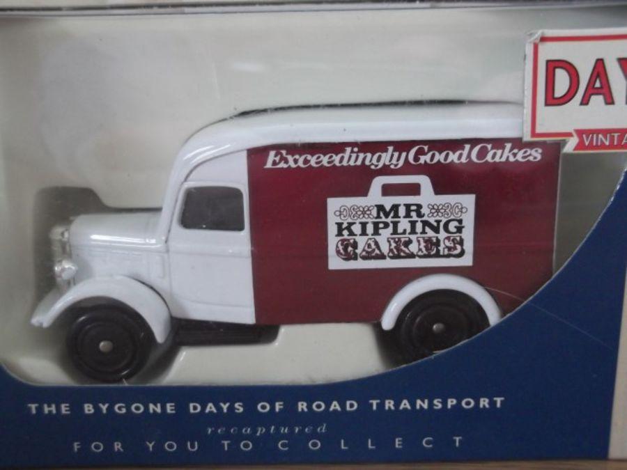 DG63024, Bedford 30cwt Delivery Van, Mr Kipling Cakes