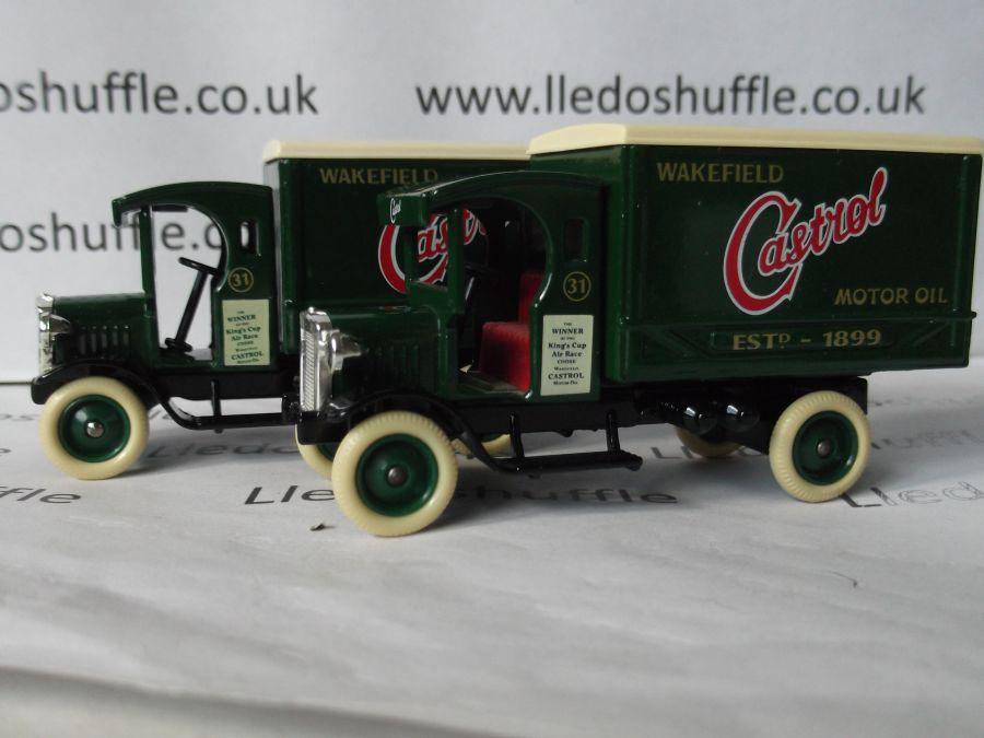 DG66000, Dennis Delivery Van, Castrol