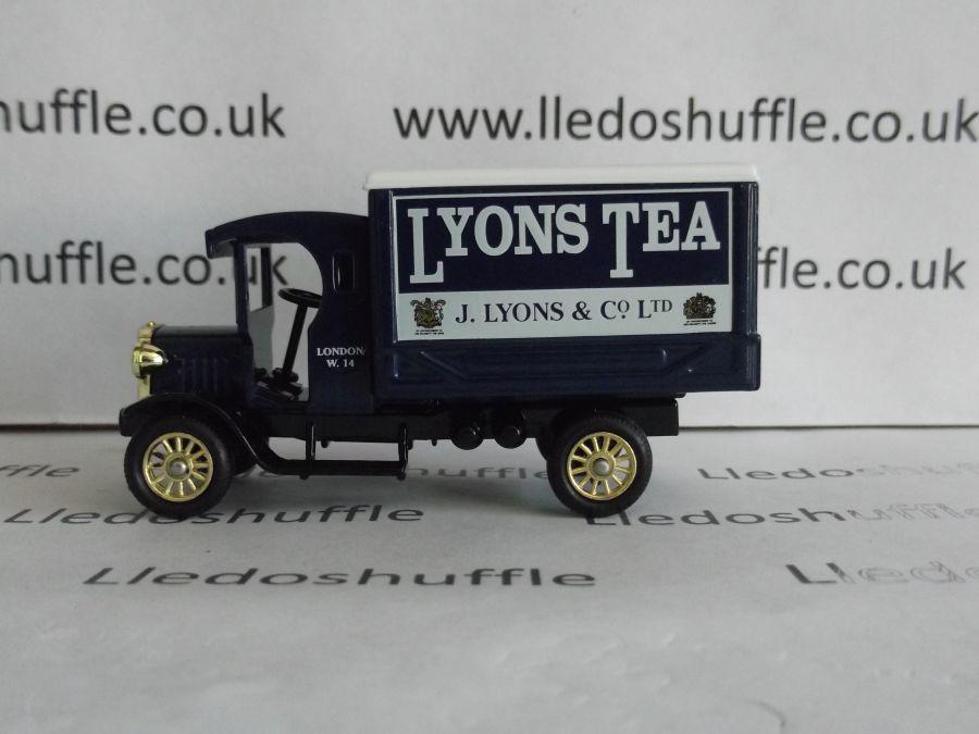 DG66021, Dennis Delivery Van, Lyons Tea