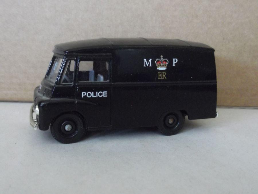 DG71014, Morris LD150 Van, MP Police