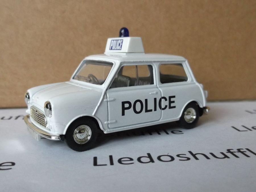DG74002, Austin 7 Mini, Police Car