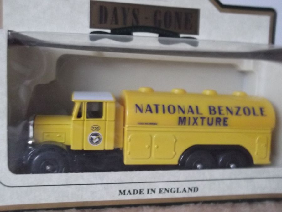 DG77002, Scammell Tanker, National Benzole