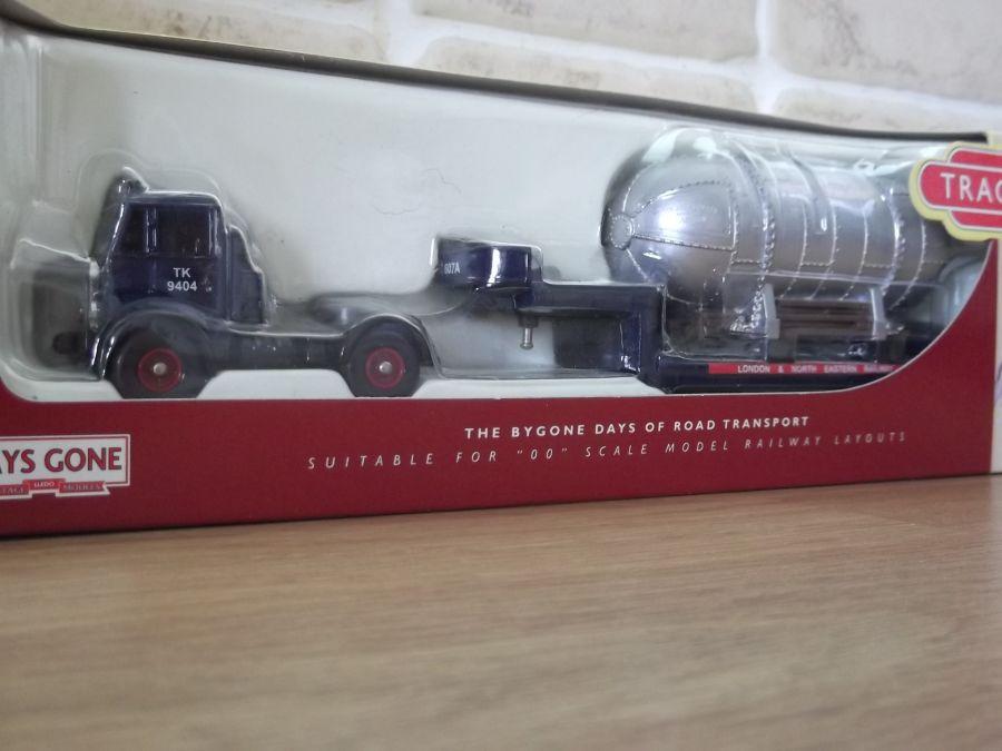DG124000, AEC Mammoth Tractor Unit, LNER