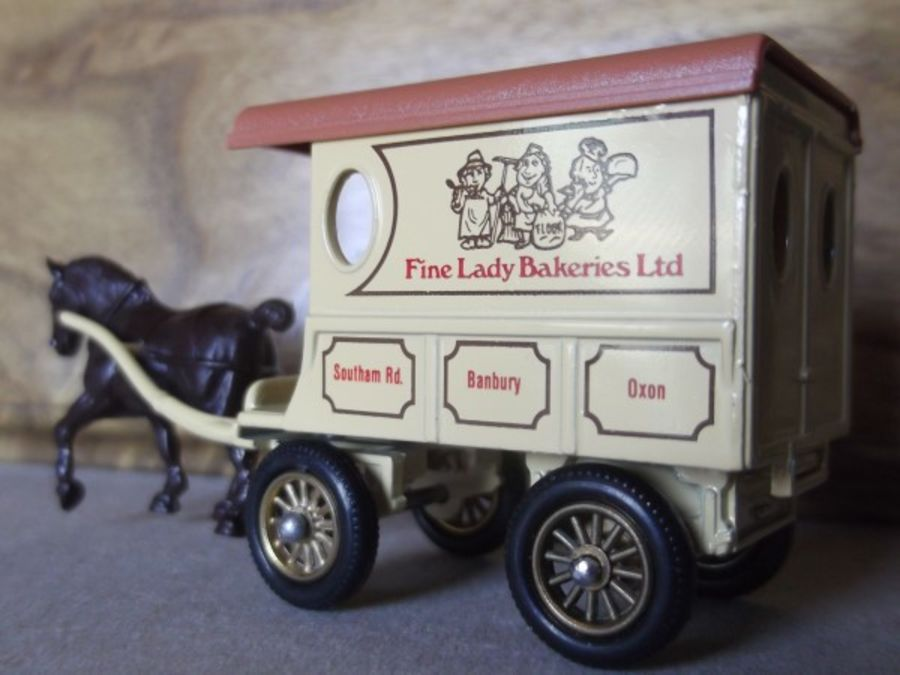 DG03002, Horse Drawn Delivery Van, Fine Lady Bakeries Ltd, Dark Print