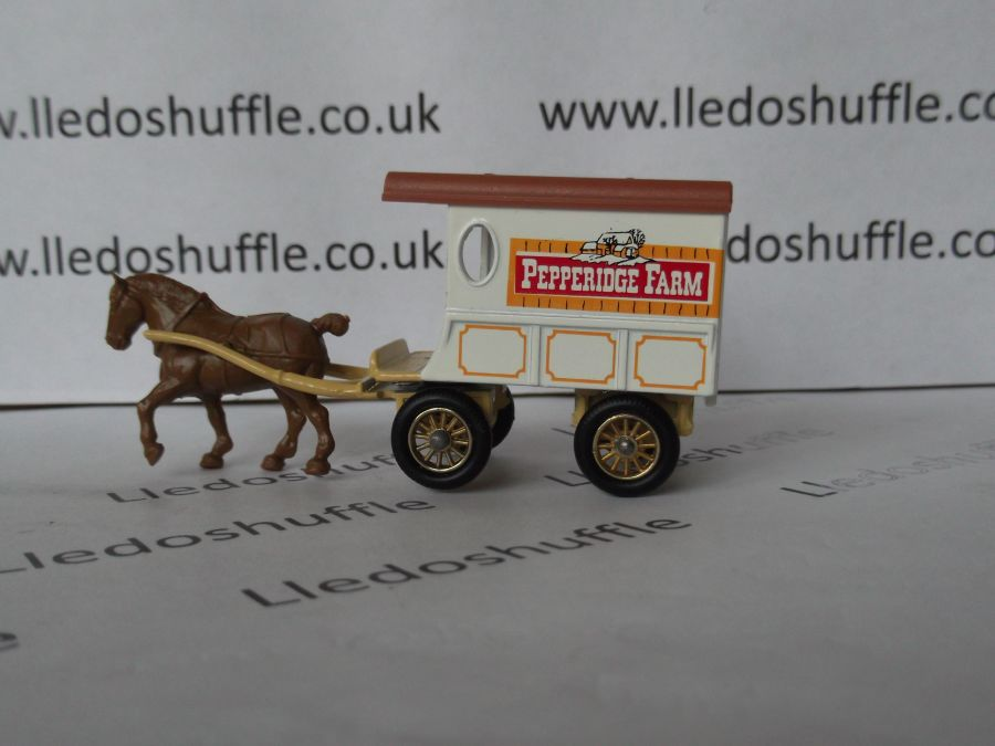 DG03004, Horse Drawn Delivery Van, Pepperidge Farm without Baseplate
