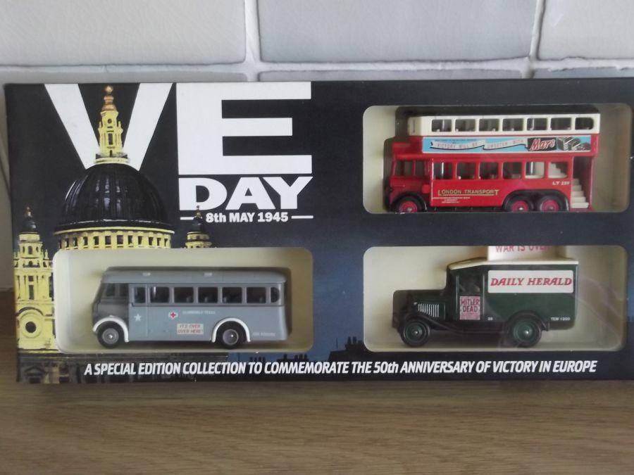 VE1003, VE Day 3 piece Set