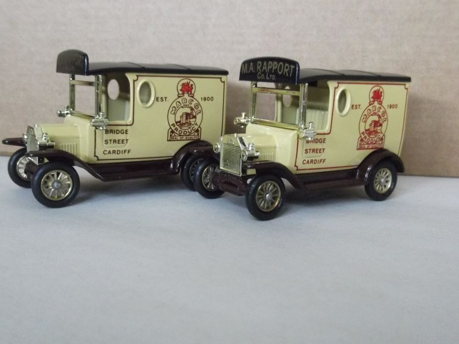 DG06006b, Model T Ford Van, Marcol, Cardiff, Red / Lighter Print