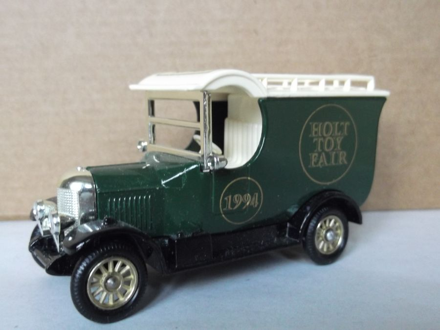Code 3, LP50, Bull Nose Morris Van, Holt Toy Fair 94