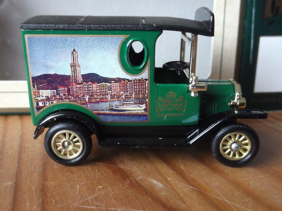 DG06134, Model T Ford Van, Huis Ten Bosch, (mid green)