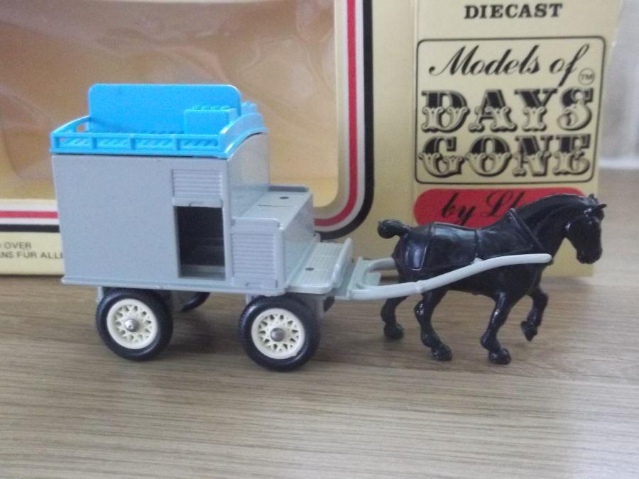 DG02, Horse Drawn Milk Float, The Grey Series