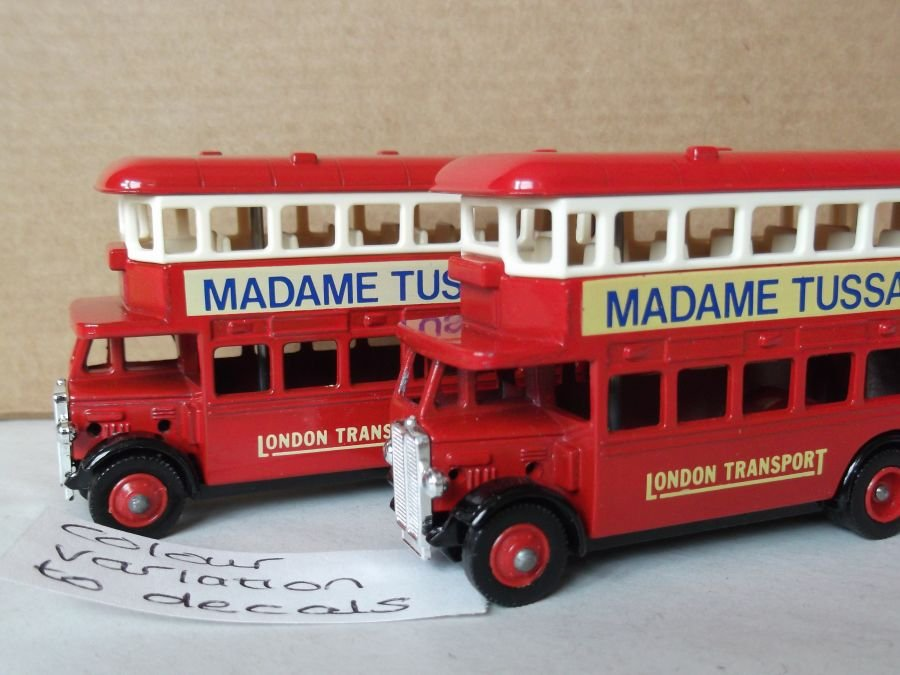 DG15009, AEC Regent Bus, Madame Tussauds