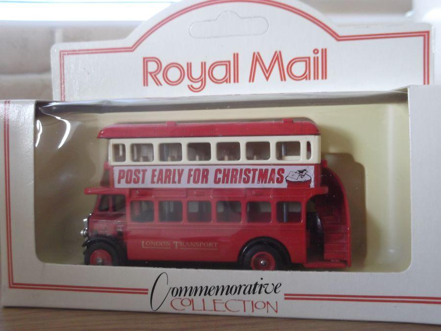 DG15025, AEC Regent Bus, Post Early for Christmas