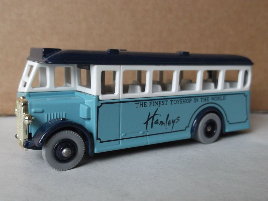 DG17012, AEC Regal Coach, Hamleys