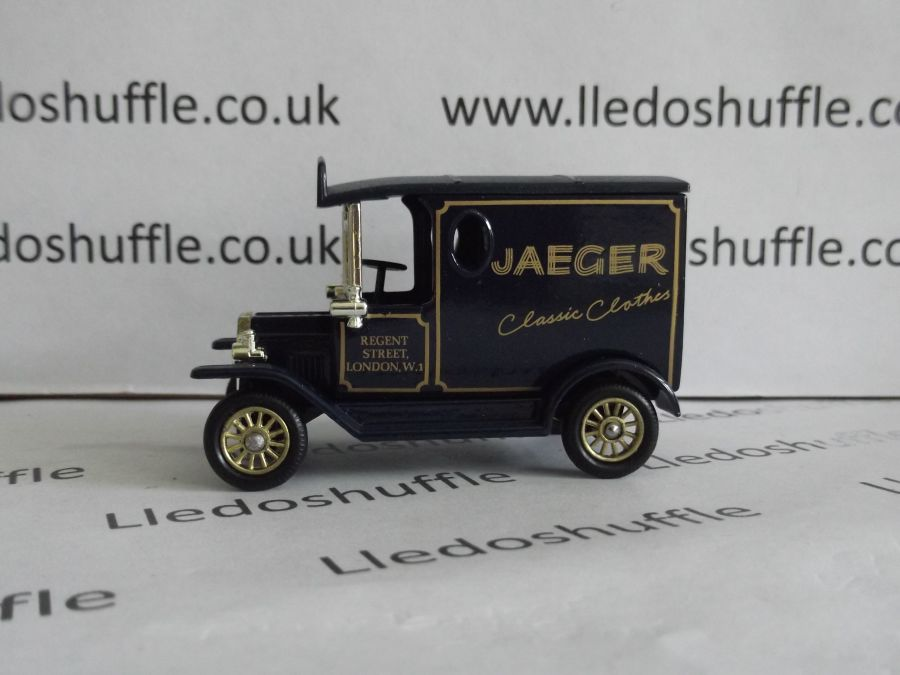 DG06097, Model T Ford, Jaeger, Classic Clothes
