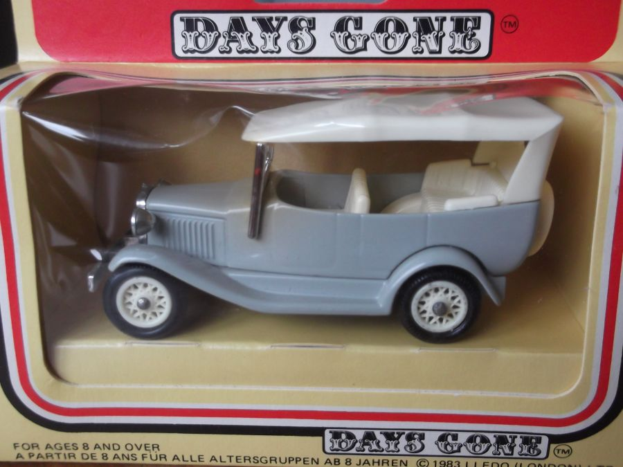DG14, Model A Ford Car with Hood, The Grey Series