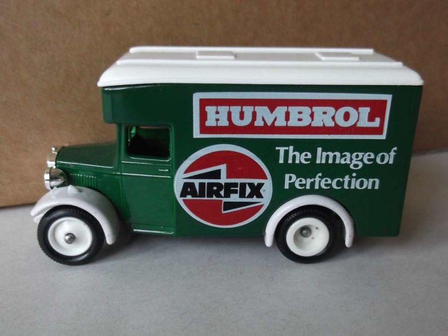 DG16, Dennis Parcels Van, Edocar A4, Humbrol - Airfix
