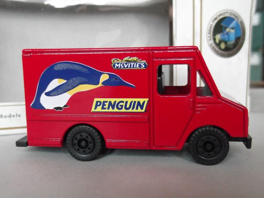 PM117016, Step Truck, McVities Penguin
