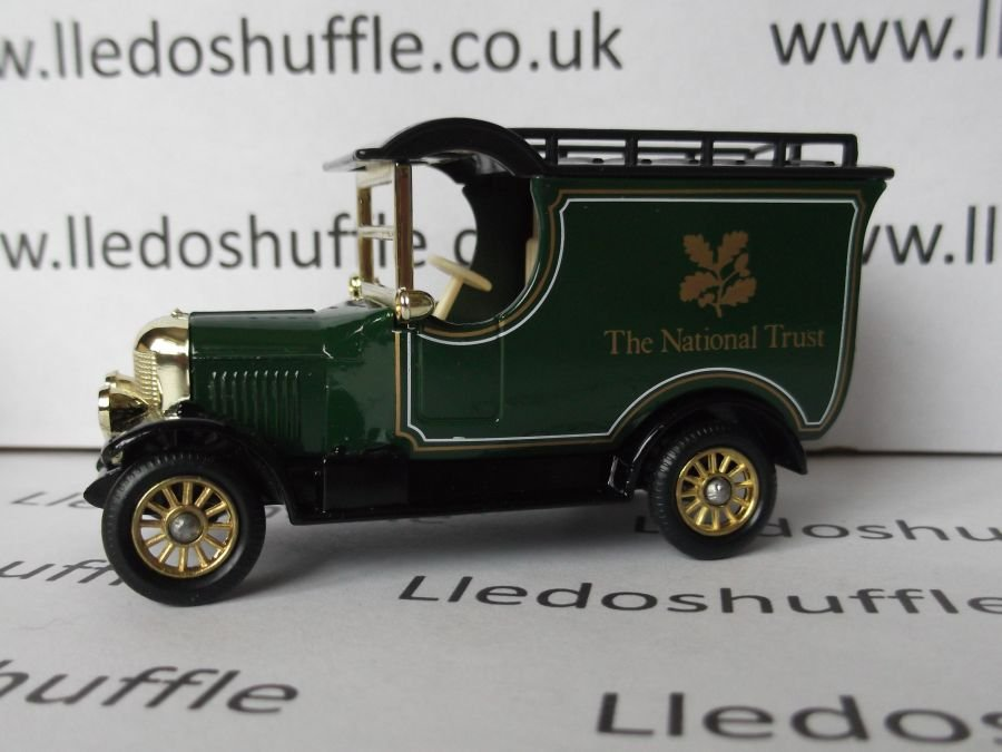 LP50110, Bull Nose Morris Van, The National Trust