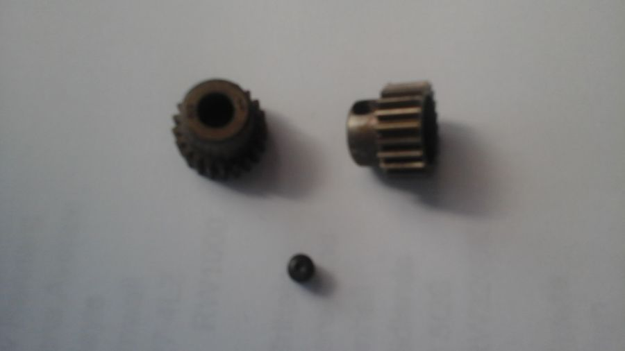 .6 Module Helicopter Pinion, 5mm Bore, short boss