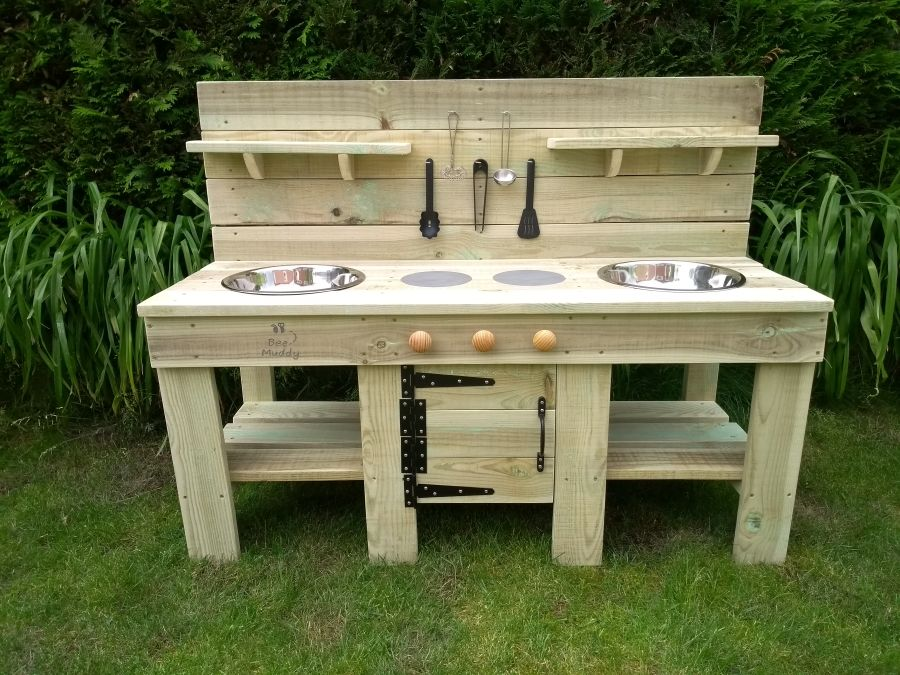 DragonFly Mud Kitchen with Oven in Natural