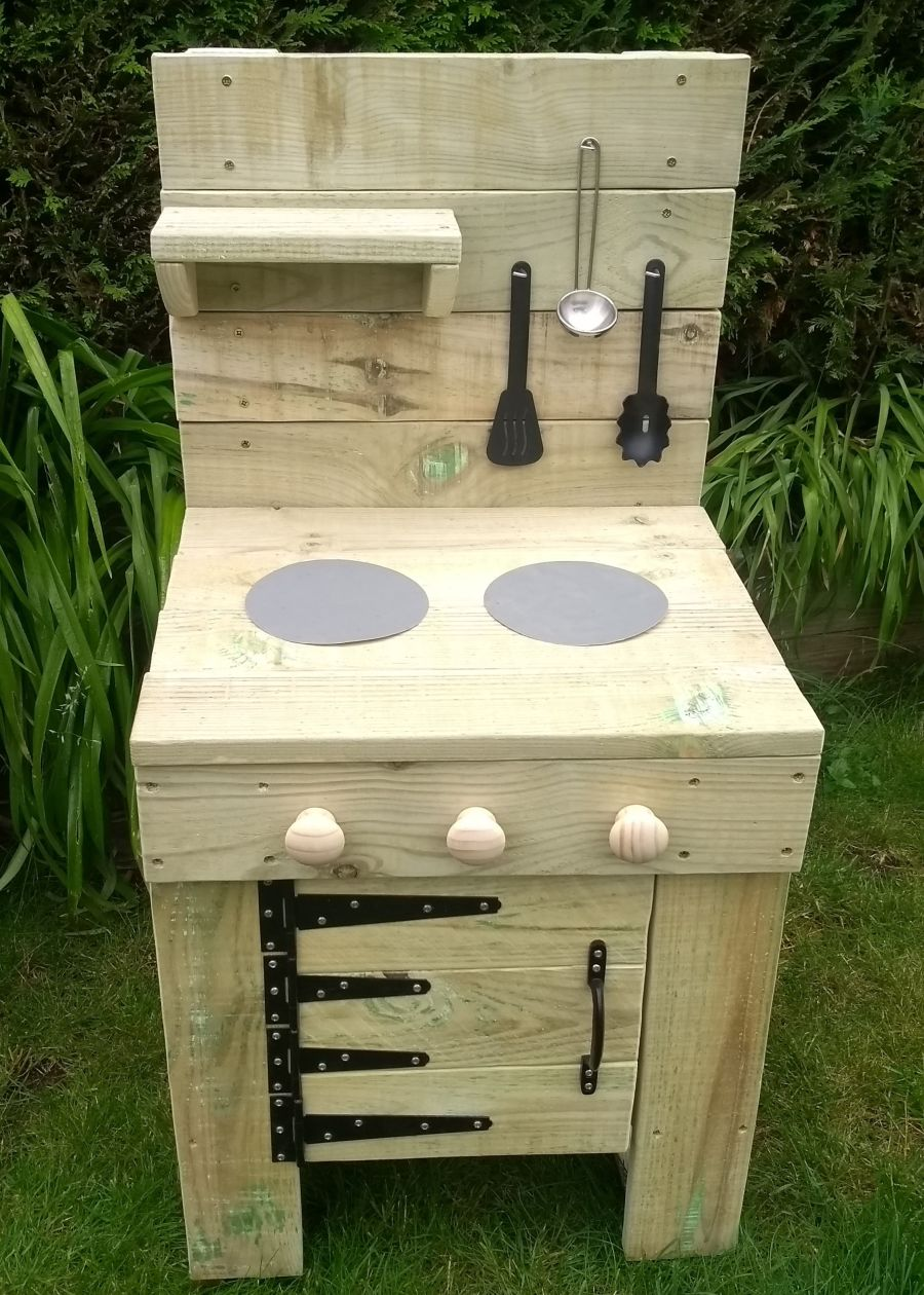 FireFly Mud Kitchen with Oven in Natural