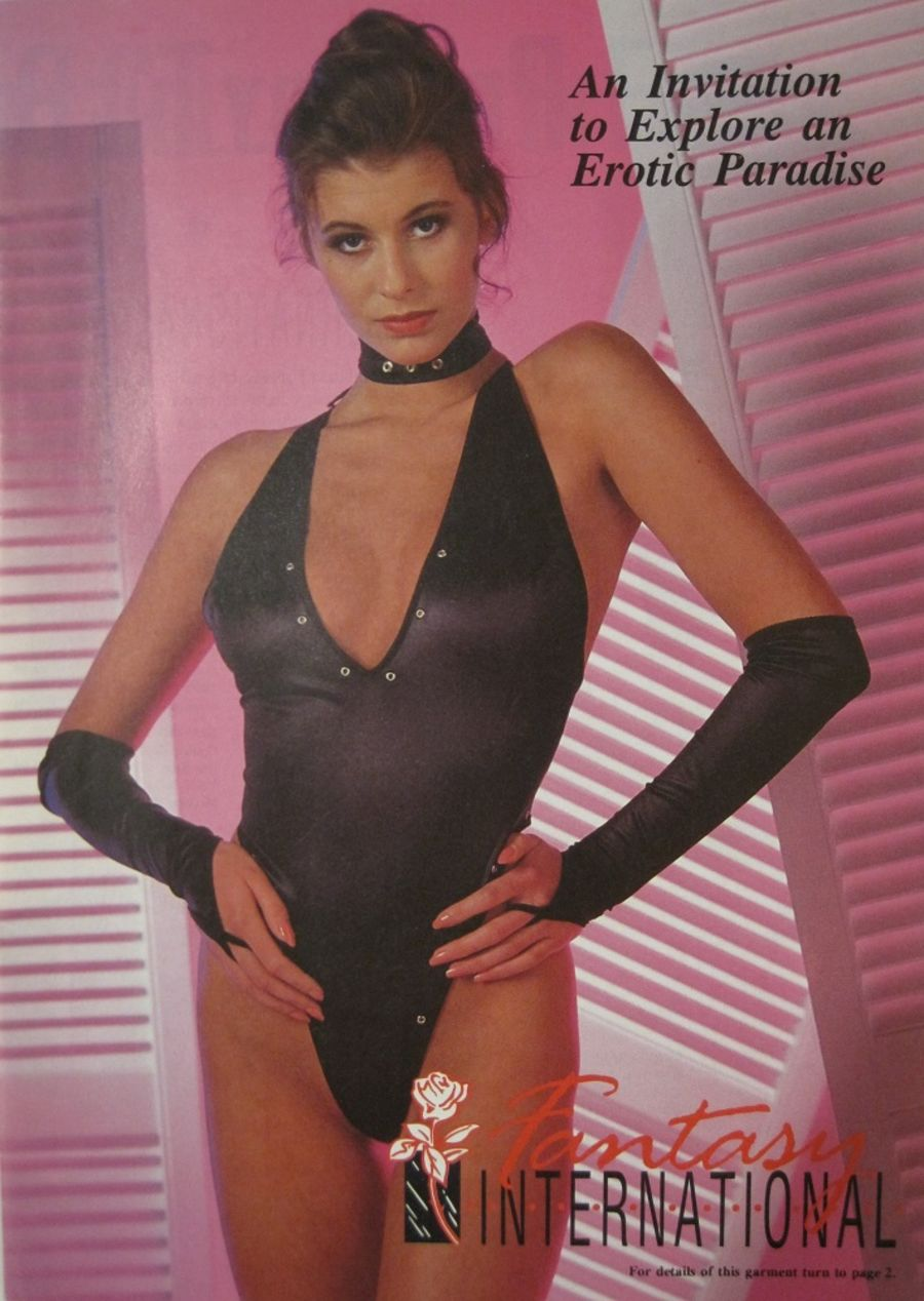 FANTASY INTERNATIONAL EROTIC. VINTAGE LINGERIE CATALOGUE.