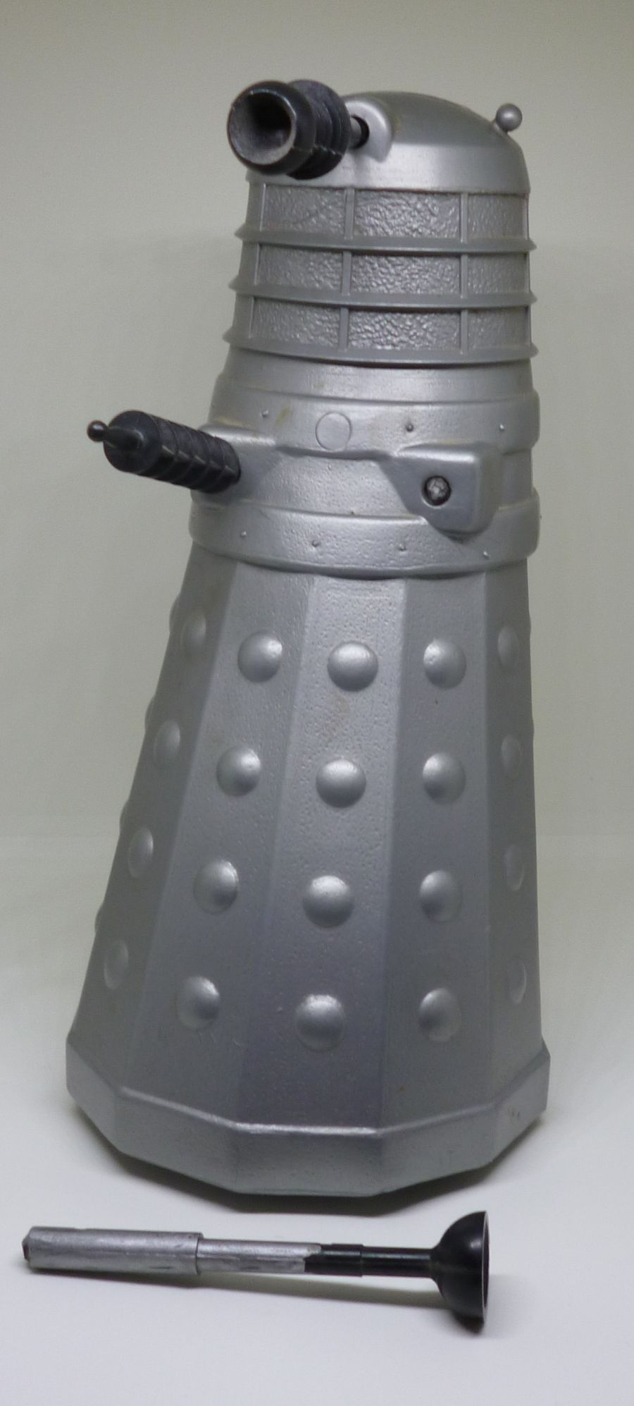 Classic 1965 Doctor Who Herts Plastic Moulders Silver Dalek