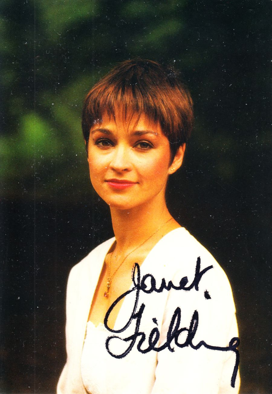 Janet Fielding Signed Tegan BBC Official Doctor Who Autograph Cast Postcard