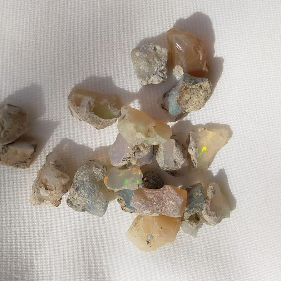 Natural Opals 50 carats