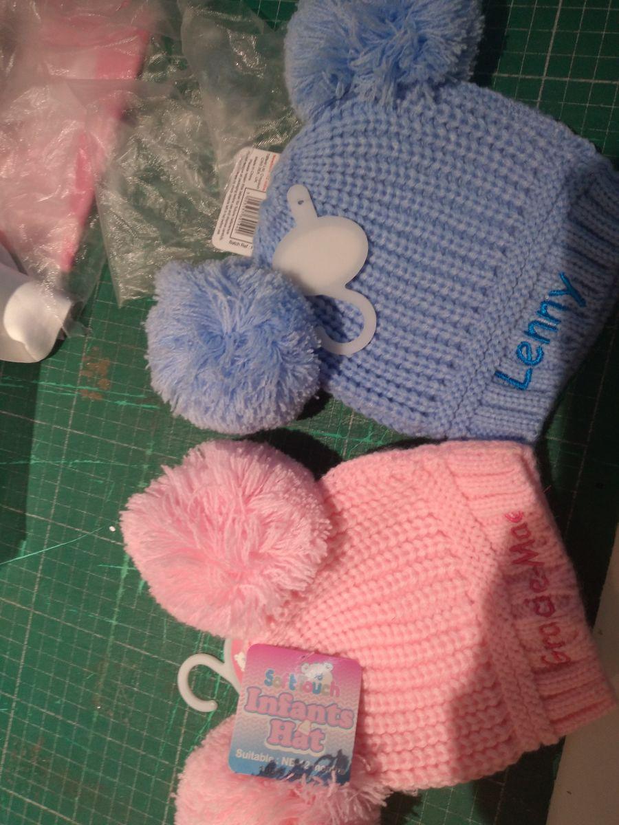 Baby's/Toddlers Pom Pom Hat