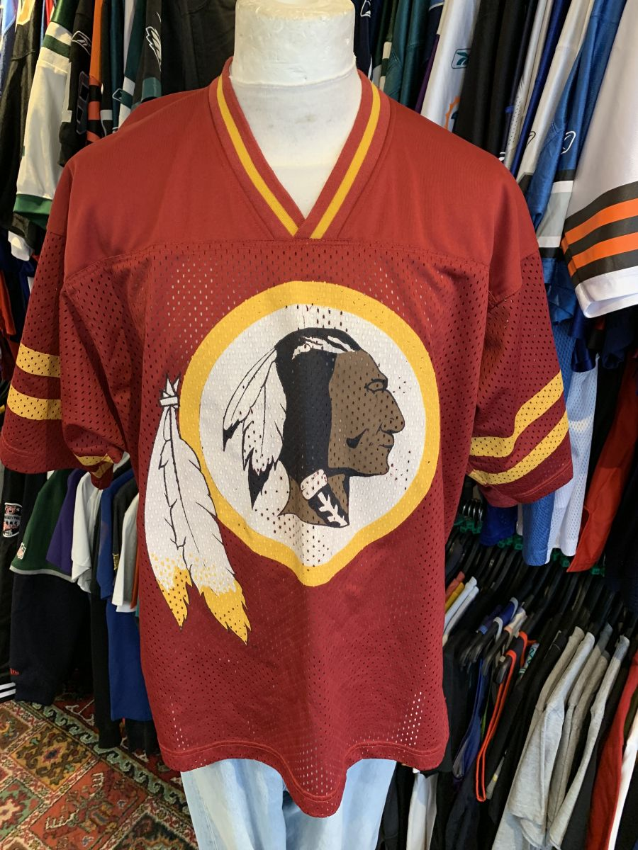Washington Redskins fan jersey