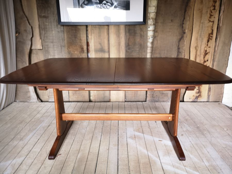 Large Ercol Windsor Extending Dining Table