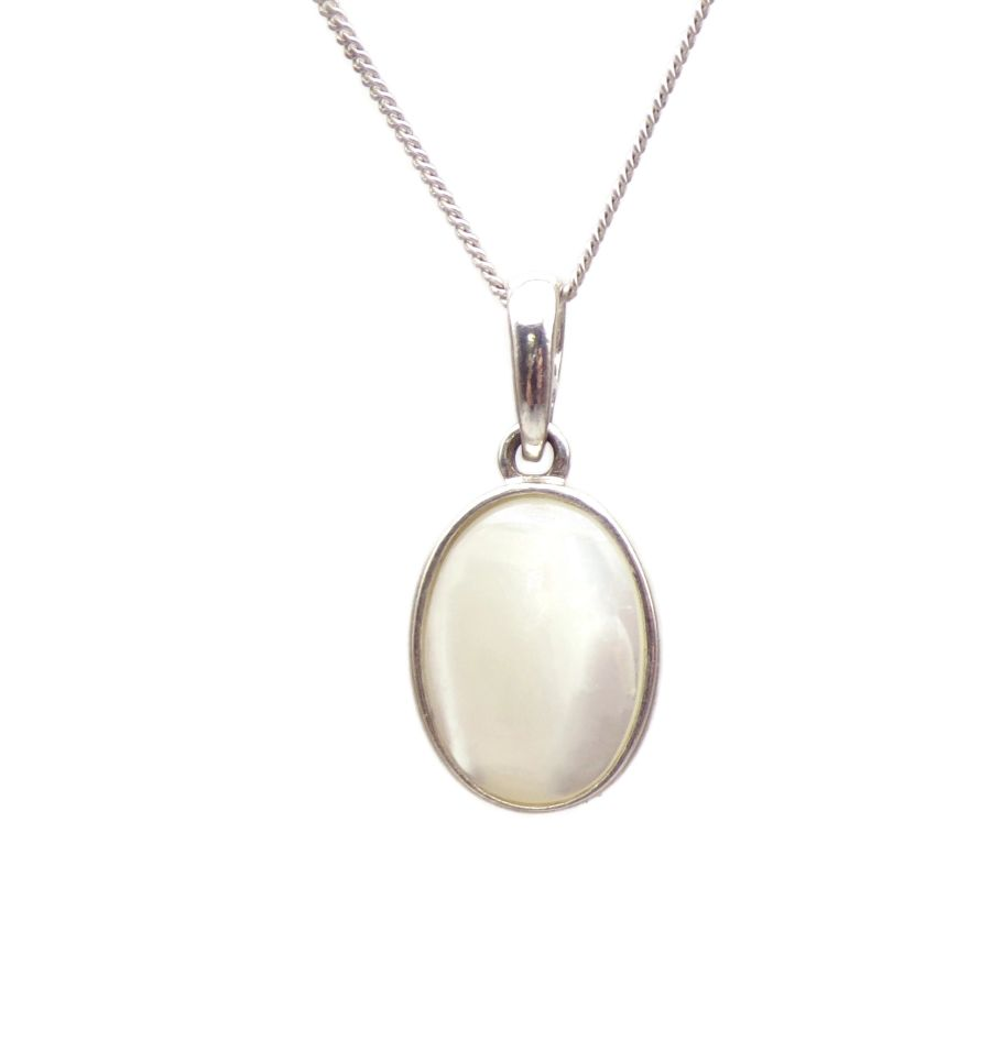 Mother of Pearl Pendant Necklace Oval silver chain 14mm