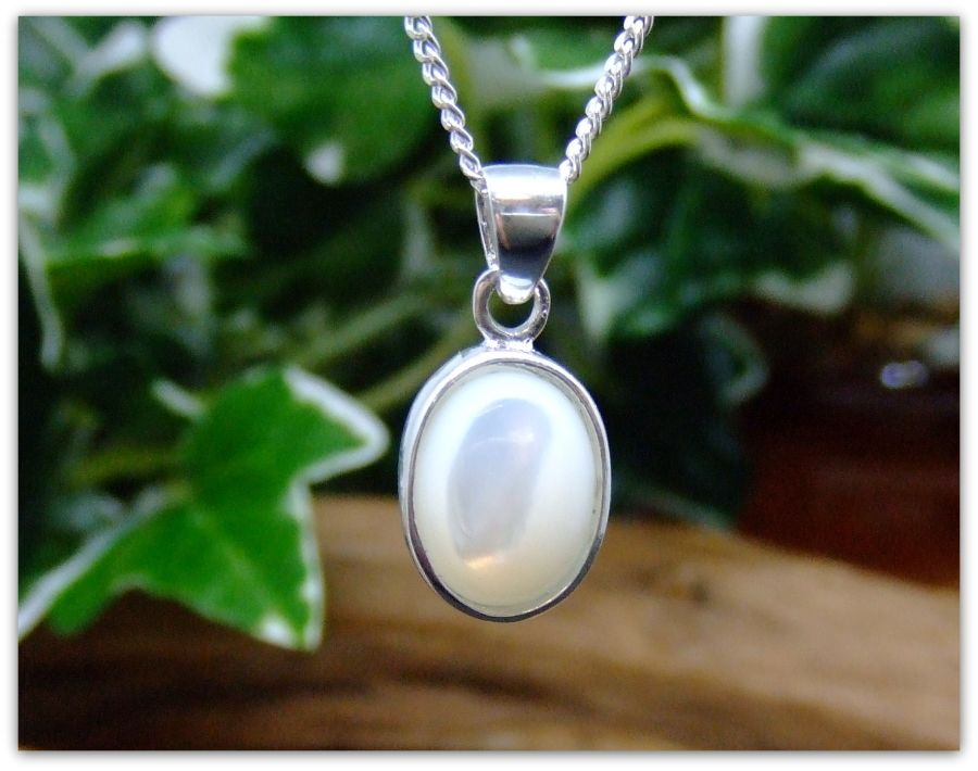 White Mother of Pearl Silver  Necklace Oval design .925