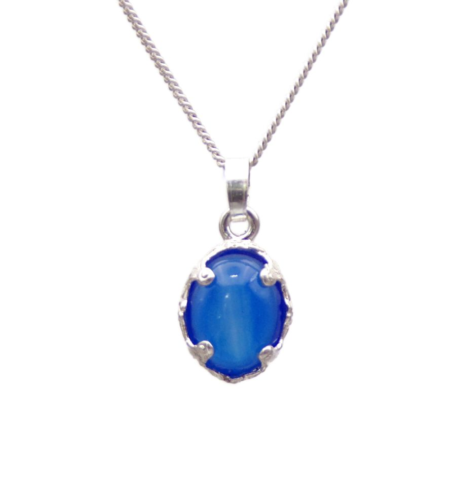 Blue Onyx Silver decorative Pendant Necklace Oval design