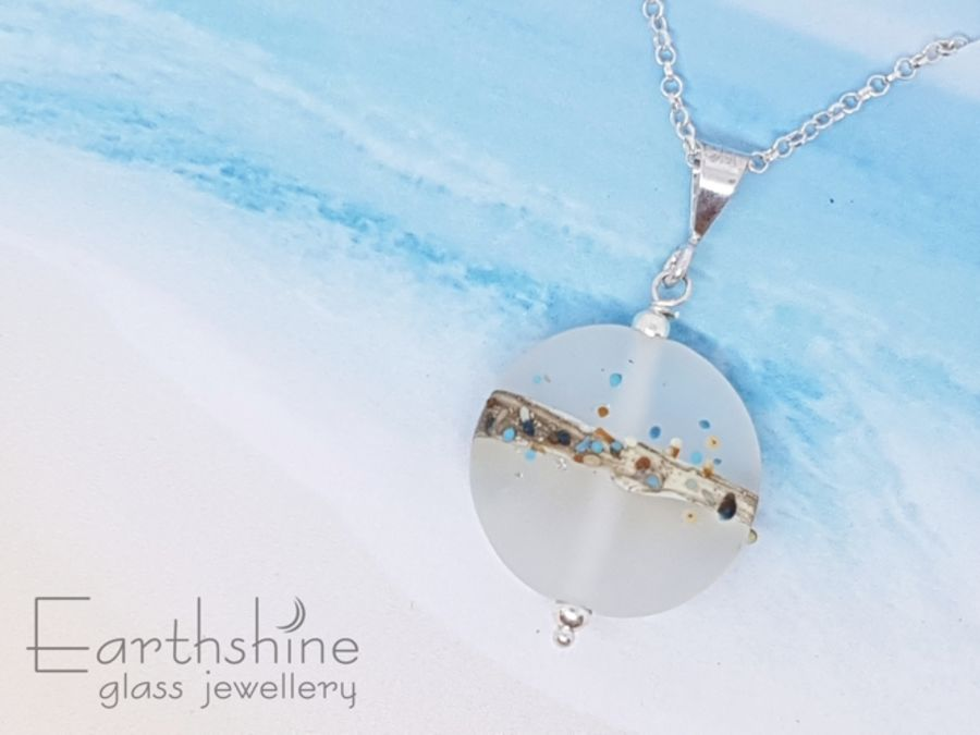 Shoreline glass pendant - white